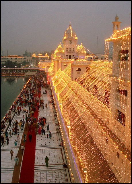 Golden Temple Picture, Amritsar, Punjab, (INDIA)  CC C2 W10