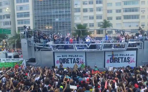 Manifestação no Rio de Janeiro que pediu a saída de Temer contou com a presença de artistas (Foto: Reprodução/ YouTube)