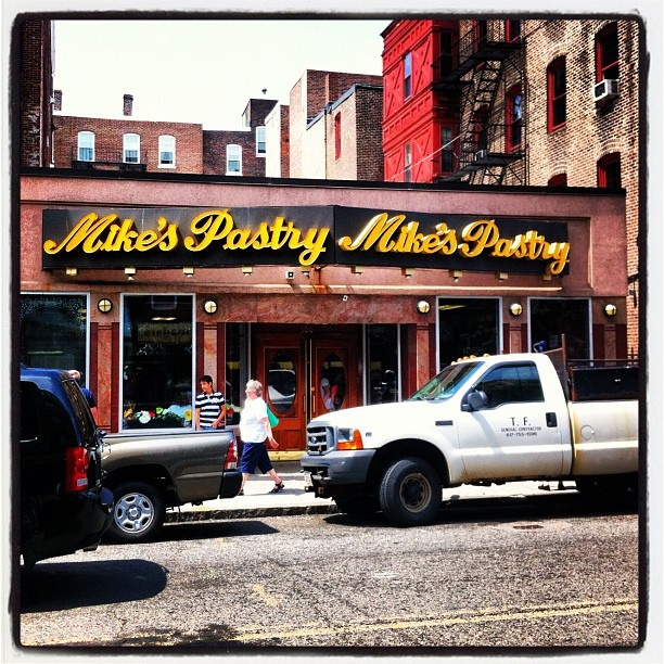 Miles Pastry Boston, Little Italy #boston #mikespastry by Jakovina Pics, via Flickr