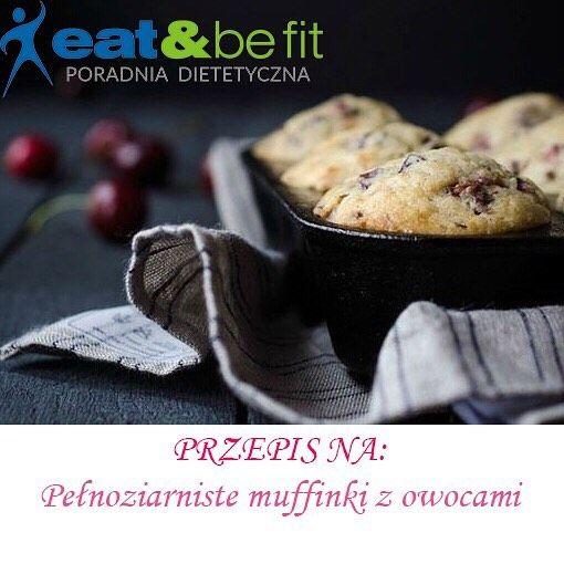 EATBEFIT.PL  PRZEPIS NA... Pełnoziarniste #muffiny z owocami   Dzień dobry!  Tym razem zapraszam do zapoznania się z przepisem na letnie muffiny (póki trwa sezon na wiśnie i czereśnie). Ta przekąska na pewno zasmakuje całej rodzinie! Wypróbuj koniecznie  SKŁADNIKI: • 200 g pełnoziarnistej mąki pszennej • 150 g brązowego cukru • 2-3 jaja • pół szklanki mleka • 100 g oleju • 20 g płatków owsianych • 10 g proszku do pieczenia • 100 g wiśni  Przygotować foremki do muffinek. Piekarnik r...