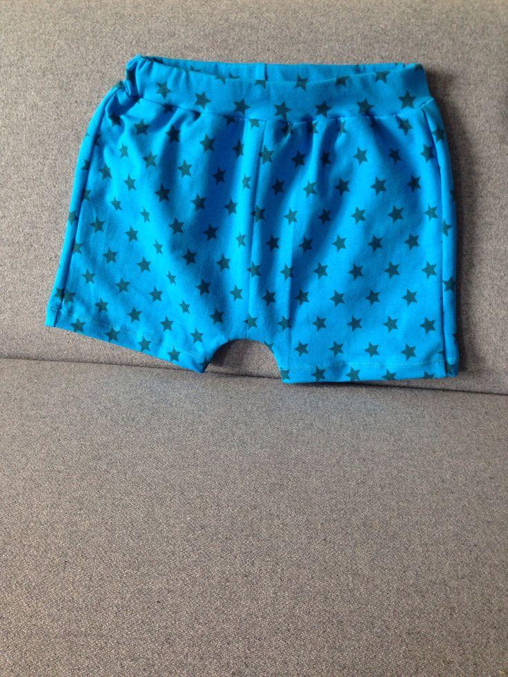 Korte broek peuter mt 86  Blauwe sterren Jersey knipmode 3-2014
