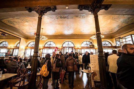 La bontà di Pretto Gelato Arte Italiana nella magia del Caffè Meletti di Ascoli Piceno. #ilmegliodellanatura #gelatoarteitalian #icecream #best #nelcuorediascolipiceno