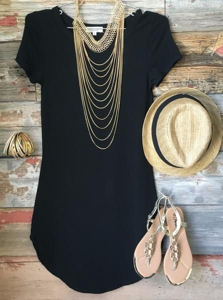 The Fun in the Sun Tunic Dress in Black is comfy, fitted, and oh so fabulous! A great basic that can be dressed up or down! Sizing: Small: 0-3 Medium: 5-7 Large
