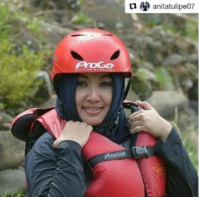 #Repost @anitatulipe07 www.progorafting.com . . : Follow Sosial Media kami : Google+ : +PROGO RAFTING MAGELANG  Twitter : @progorafting Facebook : Progo Rafting Fanspage : Progo Rafting Magelang Instagram : @progorafting Youtube : http://bit.ly/20fbX6y  #progorafting #progoraftingmagelang #progo_adventure #puriasri #rafting #elorafting #raftingelo #raftingmagelang #pesonamagelang #genpijateng #raftingsungaielo  #semaranghits #genpijogja #exploresemarang #exploremagelang #explorejogja…