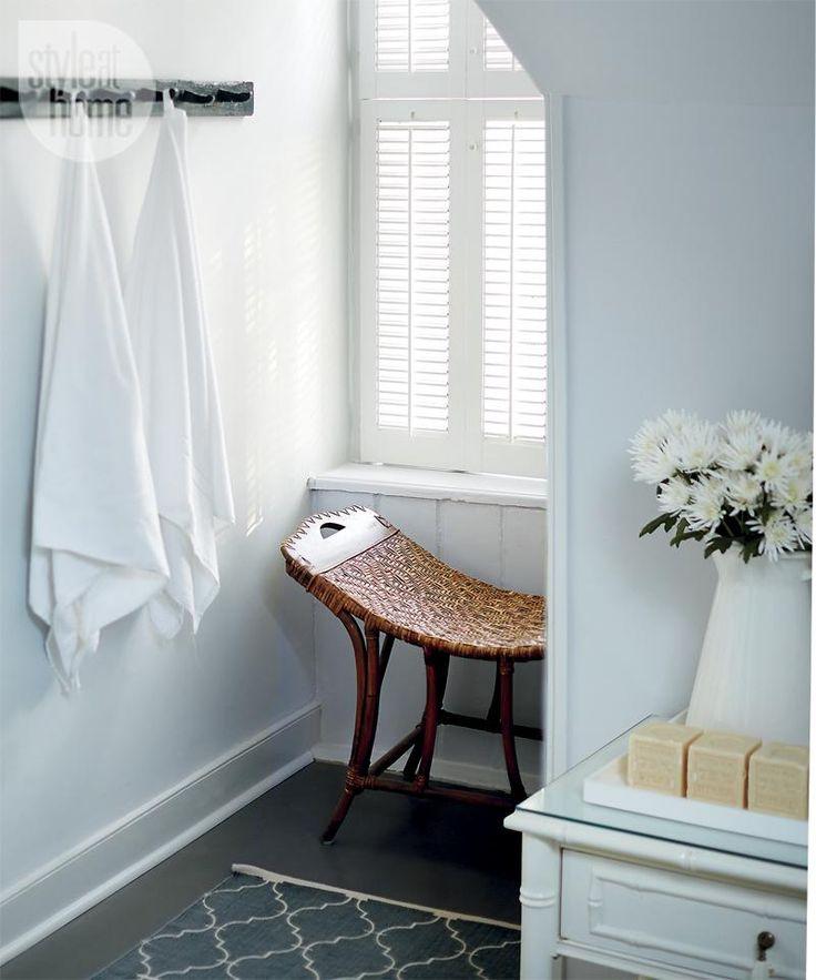 Bathroom design casual country bathroom designs bench for 4 x 9 bathroom design