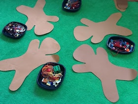 Christmas - Dress the Gingerbread Man Game