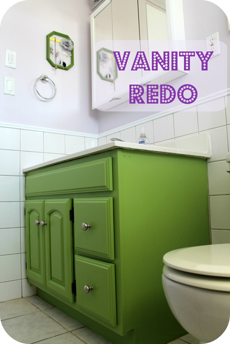 Green bathroom vanities - Green Vanity Mom S Bathroom
