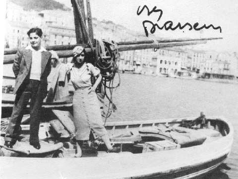 Simone et Georges sur une barque dans le port de Sète