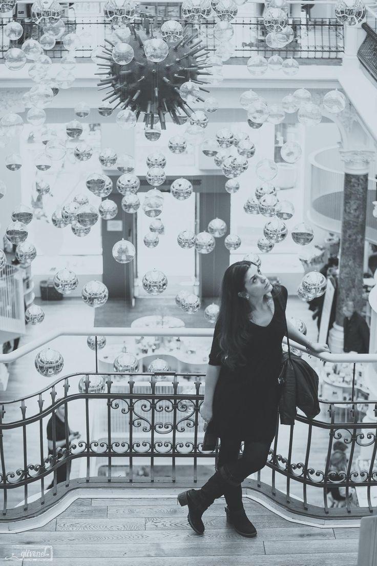 La pozat cu Vrum, în Cărturești Carusel. @Gabrielle Guvenele Photography