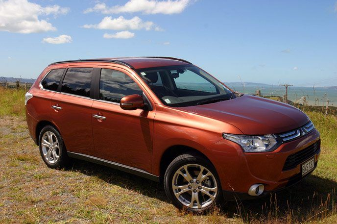 #Mitsubishi #Outlander VRX #4WD 7-seat 2013 towing abilities are modest at only 2000kg, despite four-wheel drive and the torquey diesel engine (224Nm and 126kW for the petrol and 112kW and 366Nm for the diesel). Find out more of it's features in this review: http://www.carandsuv.co.nz/articles/mitsubishi-outlander-vrx-4wd-7-seat-2013-road-test