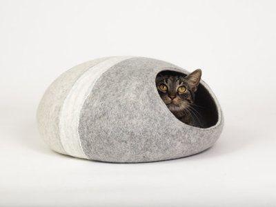 Kattenmand van vilt.  Handgemaakt van 100% wol van het merinoschaap