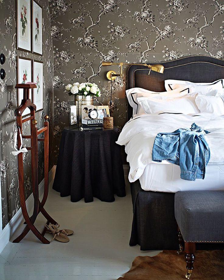 """1,651 gilla-markeringar, 30 kommentarer - Leila Lindholm (@leilalindholm) på Instagram: """"At Home. Sovrummet är det rum som vi spenderar mest tid i hemma. Jag har valt att inreda mitt med…"""""""