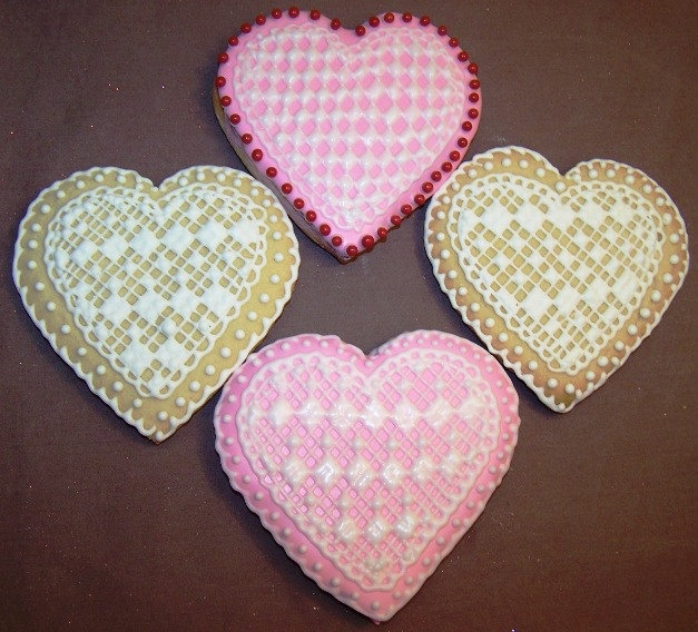 Lacy Heart Sugar Cookies Are Delicately Decorated - Foodista.com