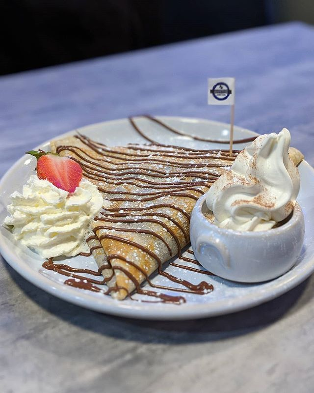 I Wouldn T Mind Having This For Iftar Kinder Bueno Crepewith Nutella Served With Whippy Ice Cream Whipped Cream How Cute Is The Li Halal Recipes Food Iftar