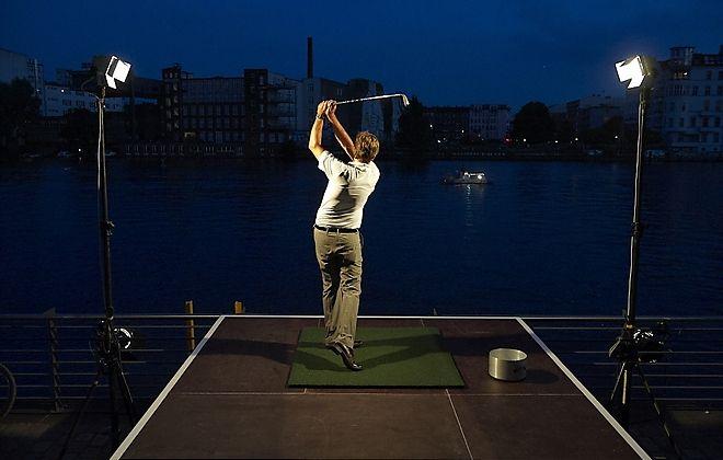 Der tolle Ausblick über Berlin macht die Capitol Yard Golf Lounge zu einer besonderen Location.