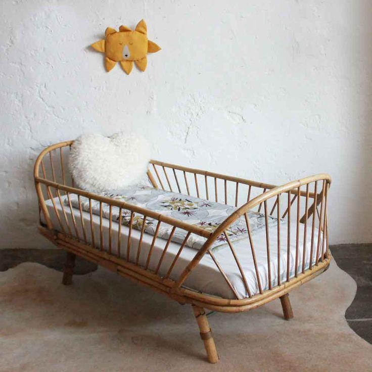 lit daybed enfant rotin vintage e664. Black Bedroom Furniture Sets. Home Design Ideas