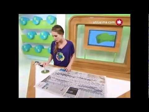 Instrucciones para reciclar papel periódico elaborando persianas para cubrir ventanas