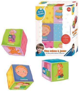 Un imagier à manipuler et à jouer sous forme de cubes en tissu. 3 univers : la famille, les jouets et les sentiments.
