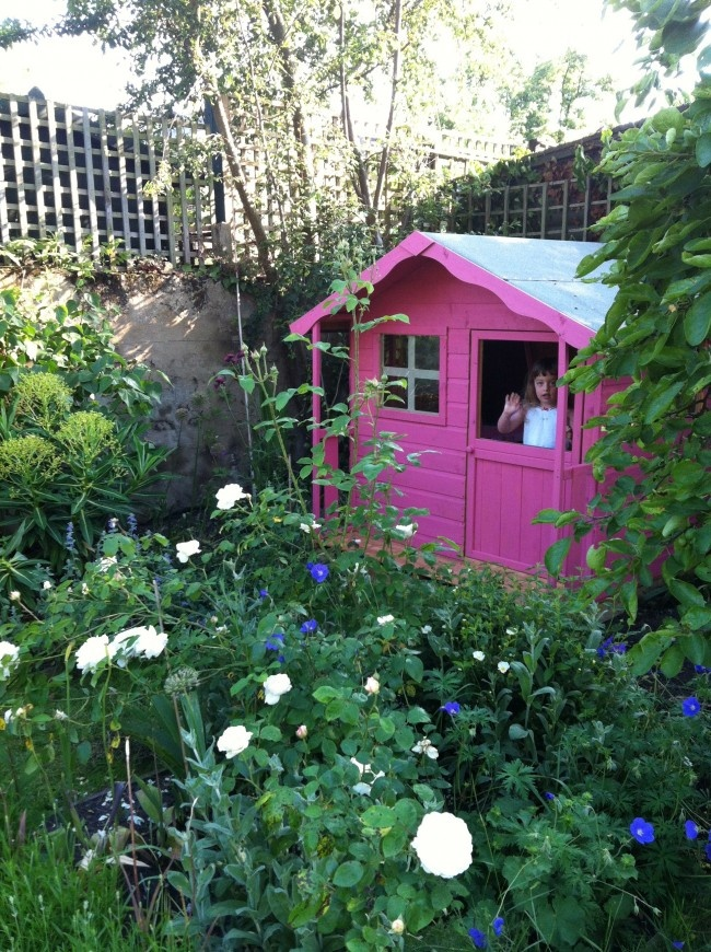 Laetitia's Divine pink Wendy House