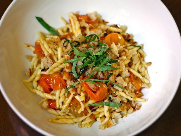 Recipe: Summer Sun Gold Tomato Pasta with Bread Crumbs #pasta #dinner #recipe