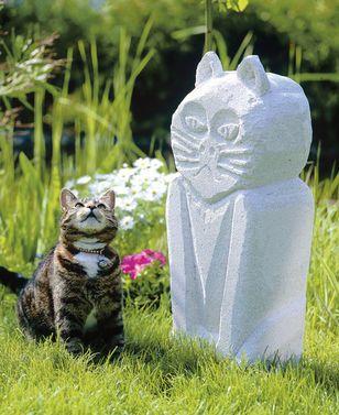 DIY für den Garten: Skulpturen kann man aus Porenbeton ganz leicht selbst basteln.