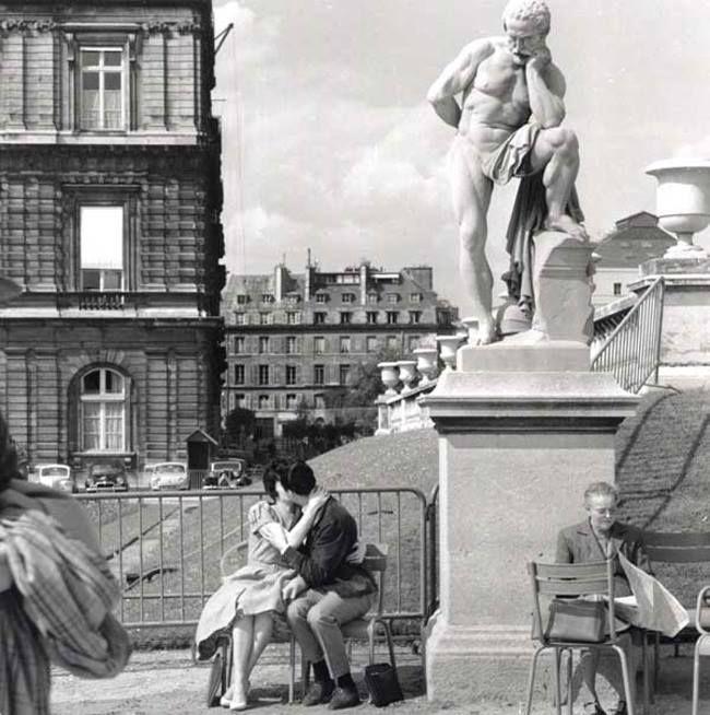 Jardin de Luxembourg 1956 by Fred Brommet