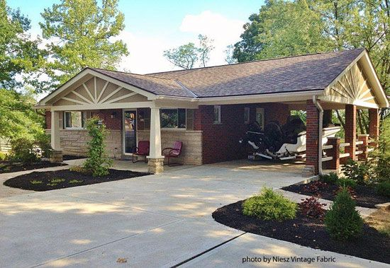 Gable roof with star burst porch on ranch home - Front-Porch-Ideas-and-More.com #porch
