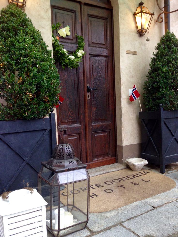 Norvegian wedding #cortegondina #lamorra