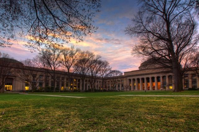 """Learn About MIT and What It Takes to Get In: Massachusetts Institute of Technology (<a href=""""http://collegeapps.about.com/od/phototours/ss/mit-photo-tour.htm"""">more photos</a>)"""