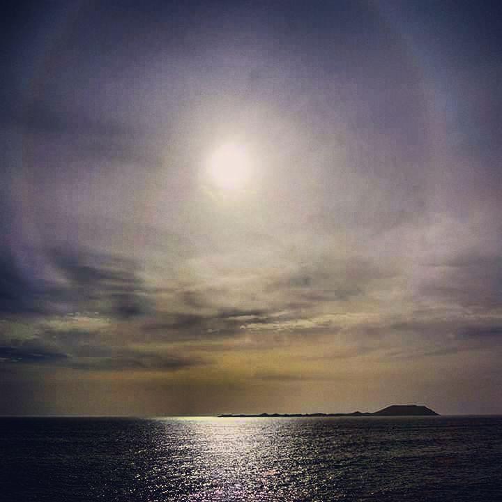 """30 Me gusta, 2 comentarios - Tato Gonçalves (@tatogoncalves) en Instagram: """"Isla de Lobos y halo solar"""""""