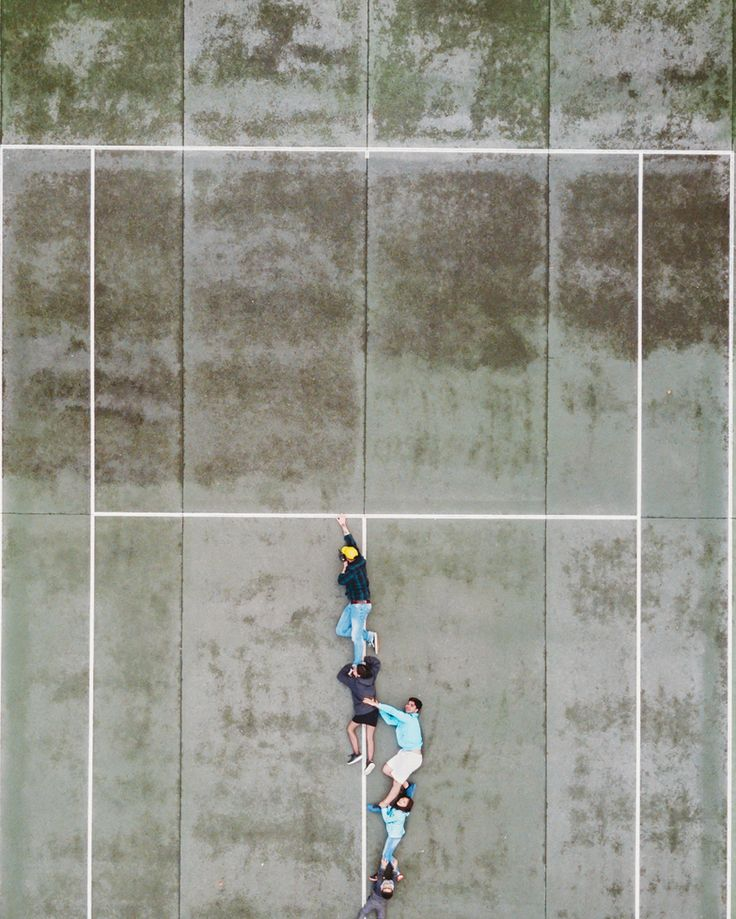 """252 mentions J'aime, 8 commentaires - DEFTOM (@deftom_filmaker) sur Instagram: """"Hang In There !! . . . . #dronegear #aerialphotography #gofly #godive #drone #dji #mavicpro…"""""""