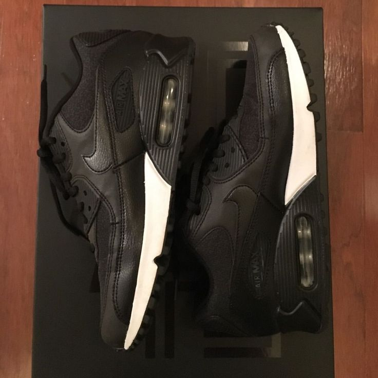 Nike Women'S Air Max 90 Black White - Like New!