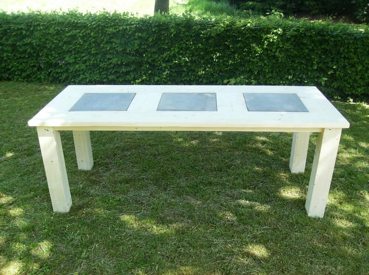Steigerhout tafel met natuursteen tegels 200 x 80 x 75 cm.