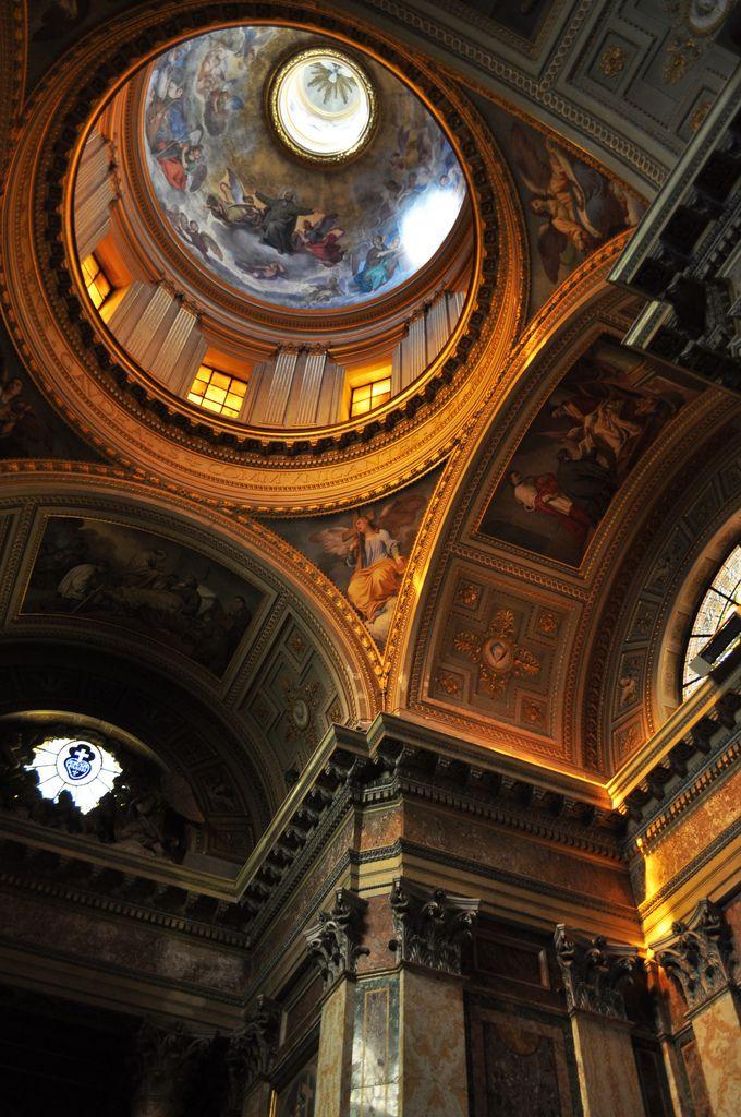 Basilica Papale di San Pietro in Vaticano, Rome, Italy.