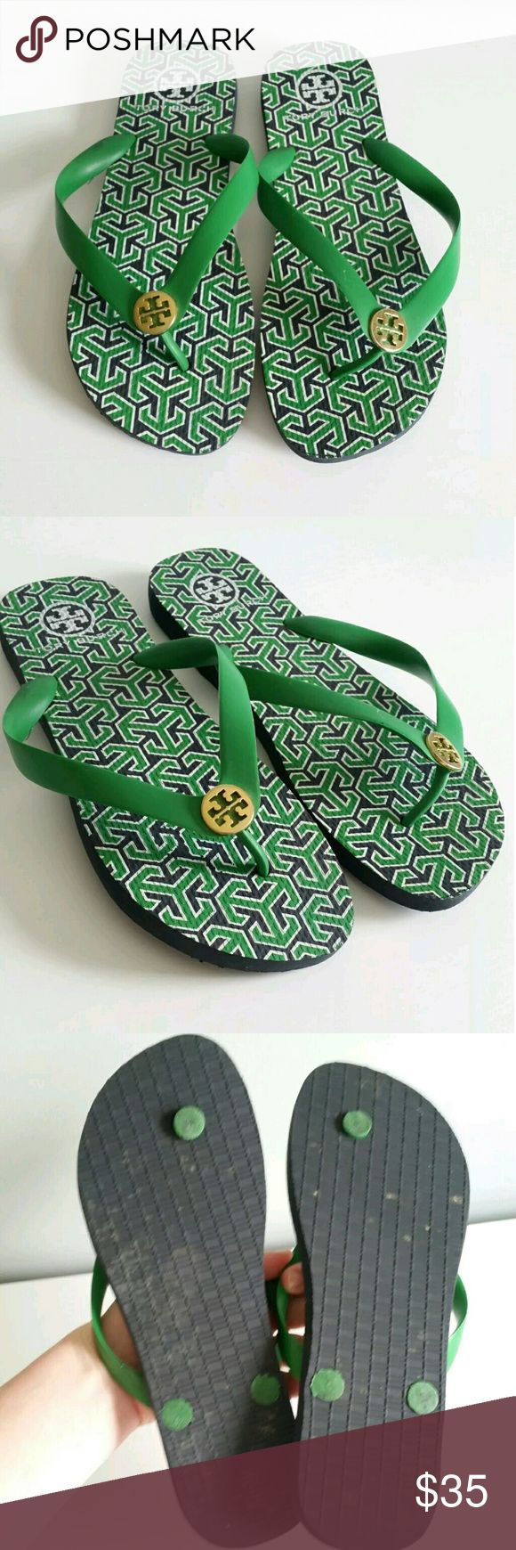 Tory Burch Women's Green Flip Flop Sandals 8.5 Gently used with light wear to the soles. From a smoke-free home   ** Size is unmarked. I believe they fit like an 8.5. Please view photo of sole measurement and compare it to a pair of sandals that fit you comfortably to ensure a proper fit. Thanks! Tory Burch Shoes Sandals