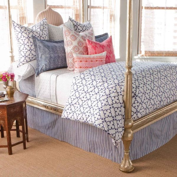 25 best ideas about gold bed on pinterest dark teal teal house and black white bedding - Bedspreads for four poster beds ...