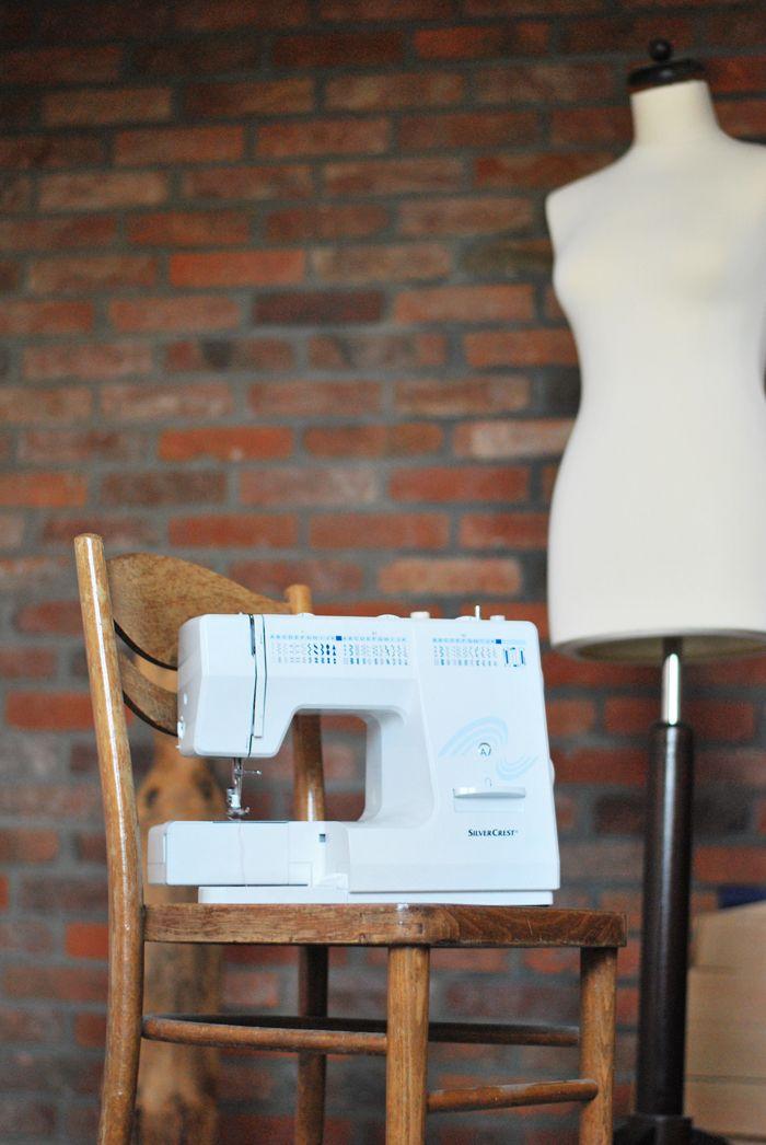 podstawy obsługi maszyny do szycia, szycie dla żółtodziobów, jak nauczyć się szyć, maszyna do szycia, szycie, lekcja szycia, kurs krawiecki