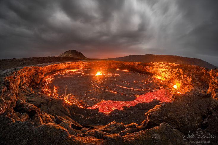 Erta Ale shield volcano Ethiopia | by Joel Santos [1440x960] xpost /r/LavaPorn.