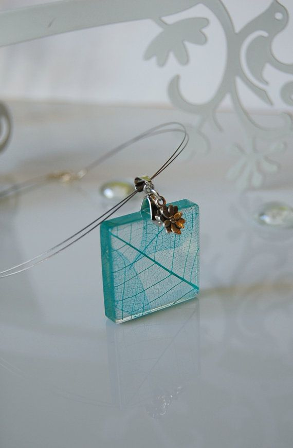 resin pendant with skeleton  leaf