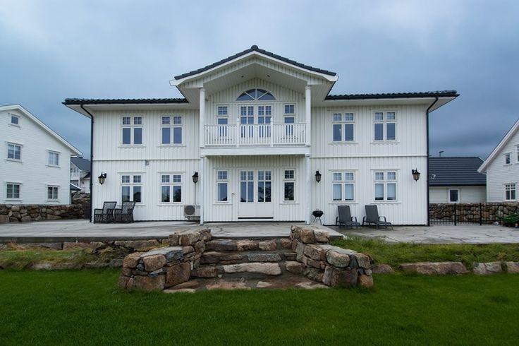 Hva er et hus uten sjelfulle vinduer ?  https://www.foris.no/?utm_content=buffere3dcf&utm_medium=social&utm_source=pinterest.com&utm_campaign=buffer