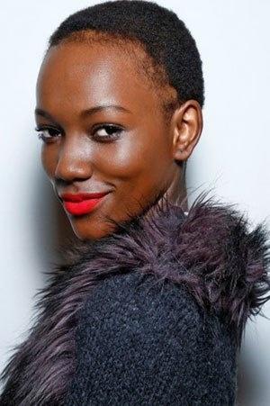 Creëer een mooie huid en zomerse uitstraling met make-up