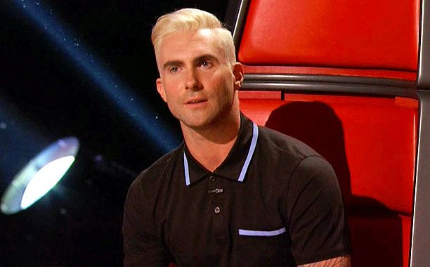 Adam Levine Debuts Blond Hair on The Voice + Why He Went Blond image adam levine blonde 002