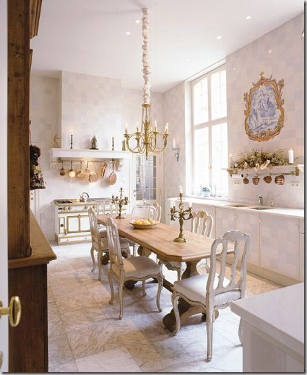 Eat In Kitchen Furniture: Very Elegant Eat In Kitchen .... Love It