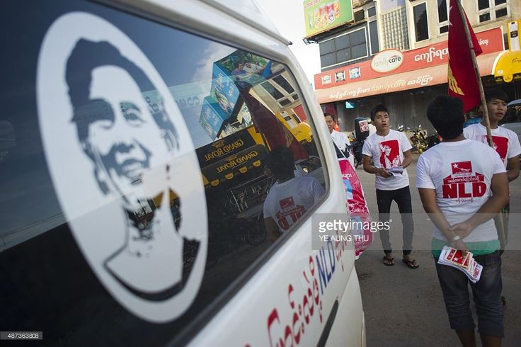 People campaign for <a gi-track='captionPersonalityLinkClicked' href='/galleries/personality/214208' ng-click='$event.stopPropagation()'>Aung San Suu Kyi</a>'s National League for Democracy (NLD) party ahead of the November 8 election, in Loikaw, Kayah state on September 9, 2015. Some 30 million people will have the chance to vote -- many for the first time in their lives -- in the November 8 elections, the only nationwide polls contested by <a gi-track='captionPersonalityLinkClicked'…