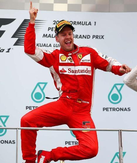 Formel 1 in Malaysia: Vettel schlägt im Ferrari die Silberpfeile! - Formel 1 - Bild.de