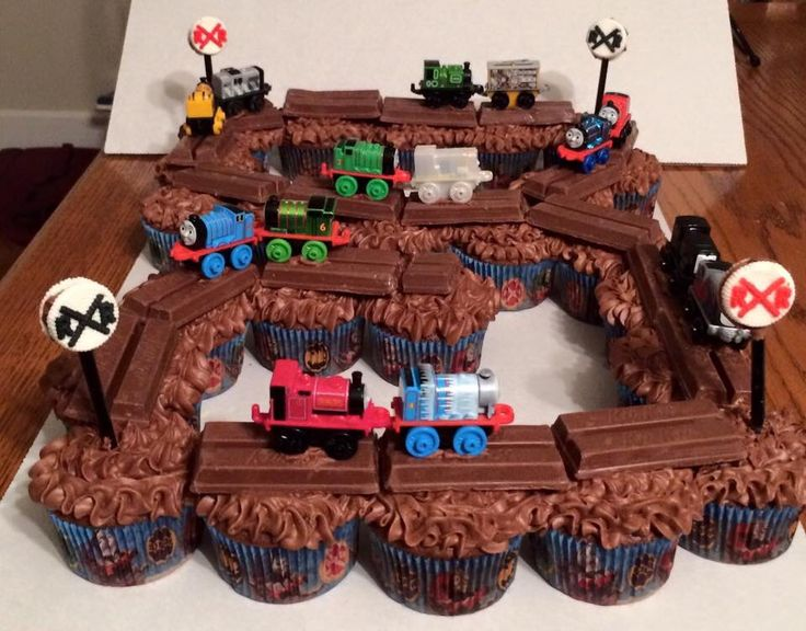 Thomas the Train cupcakes with KitKat tracks
