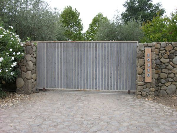 11 best images about driveway gates on pinterest rustic for Best driveway gates
