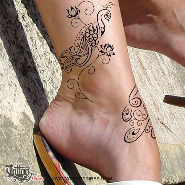 Tatuaggio di Pavone e fiori di loto, Bellezza, rinascita tattoo - TattooTribes.com