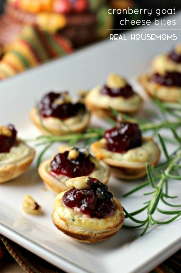 CRANBERRY GOAT CHEESE BITES are perfect little appetizers for your Thanksgiving spread!