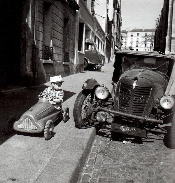 Robert Doisneau  Bolides, Paris, 1956
